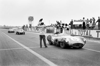 Picture of Limited Edition Print - Le Mans 1959 'Taking the Flag'